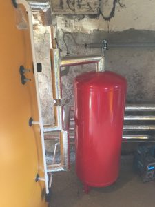 expansion vessel piped up
